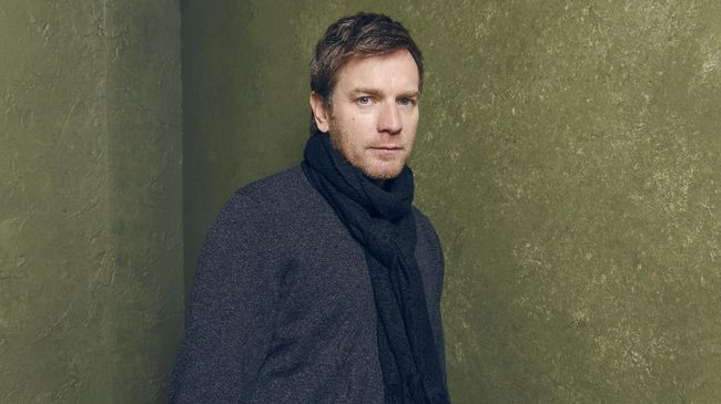 Setelah beredar rumor, Ewan McGregor memastikan bakal tampil dalam serial Obi-Wan Kenobi. Ia juga mengungkap kisah Obi-Wan awalnya diproyeksikan menjadi film.