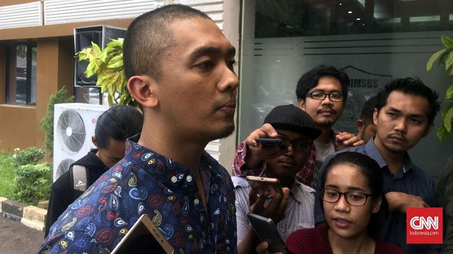 Uus datang ke Polda Metro Jaya untuk memberikan kesaksian atas laporan Nikita Mirzani terkait kicauan palsu mendiskreditkan Panglima TNI.