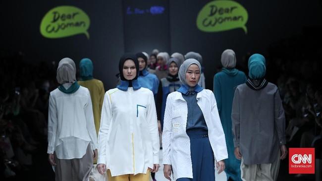 Foto Kala Dunia Kartun Menyusup Ke Busana Muslim