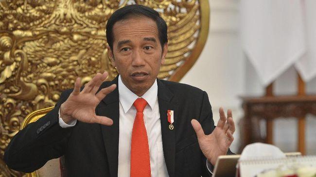 Aksi teror bom di Surabaya beberapa waktu lalu, menurut Jokowi merupakan peringatan betapa keluarga dan sekolah tak luput dari paparan ideologi terorisme.