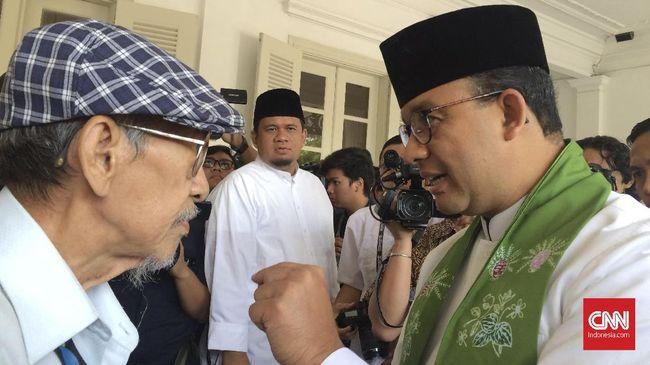 Koordinator Ciliwung Merdeka Sandyawan Sumardi menilai keputusan mencoret anggaran pembangunan hunian sementara (selter) bertolak belakang dengan janji Anies.