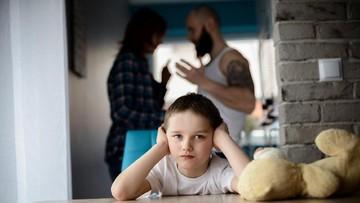 Nggak Disangka, Kebiasaan Orang Tua Ini Bisa 'Merusak' Anak