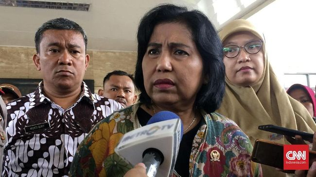 Irma Suryani Chaniago menilai sindiran 'kekosongan kepemimpinan' yang disinggung Jusuf Kalla merupakan sentilan dahsyat untuk Gubernur Jakarta Anies Baswedan.