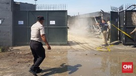 Polisi Bantah Gerbang Pabrik Terkunci saat Kebakaran