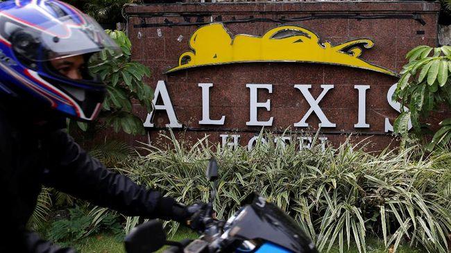 Laporan dugaan prostitusi di Hotel Alexis diajukan oleh ketua Badan Mahasiswa Gempita, Arianto, ke Polda Metro Jaya. Polisi menolak karena kurang bukti.