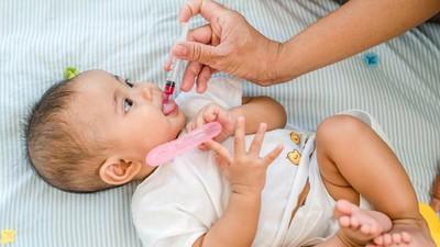 Trik Ibu Meminumkan Obat ke Bayinya Tanpa Ada 'Drama'