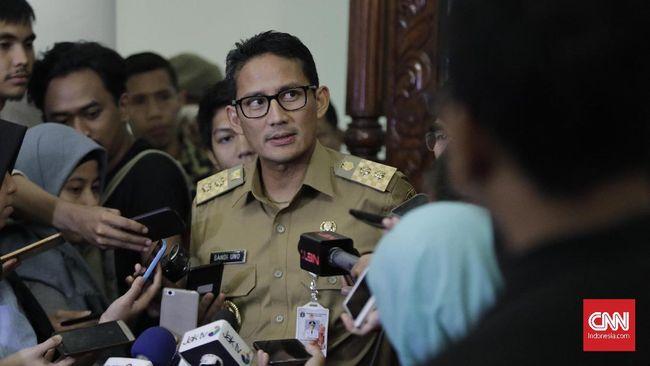 Wagub DKI Sandiaga Uno ogah menyalahkan PKL sebagai penyebab utama semrawutnya kawasan Tanah Abang, justru menuding pejalan kaki yang bikin semrawut.