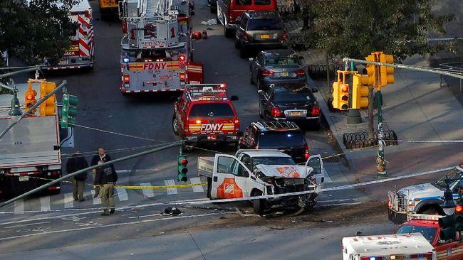 Sebuah serangan truk yang dikebut ke jalur pejalan kaki dan pesepeda menewaskan banyak orang dan melukai lainnya di pinggir sungai Hudson, New York City.
