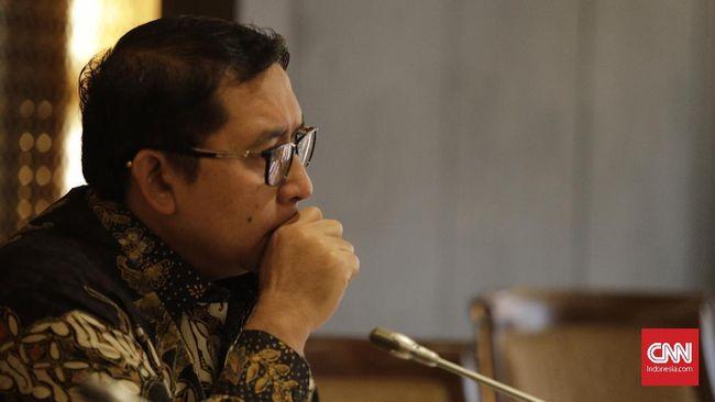 Wakil Ketua Umum Gerindra Fadli Zon mengatakan saat ini penanganan situasi ekonomi karena imbas corona lebih penting ketimbang pemindahan ibu kota.