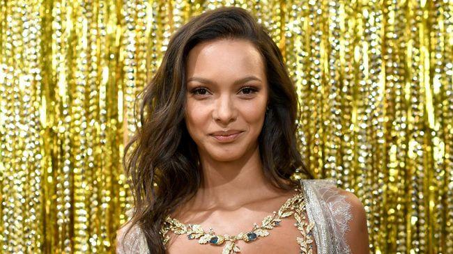 Model asal Brazil, Lais Ribeiro didapuk menjadi Angel yang akan membawakan Fantasy Bra bernilai Rp27 miliar di peragaan Victoria's Secret Show tahun ini.
