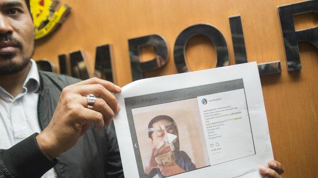 Sebagai pejabat publik, Setya Novanto harusnya terbuka menerima kritik, termasuk lewat meme. Pemidanaan kritik dinilai sebagai wujud pembungkaman demokrasi.