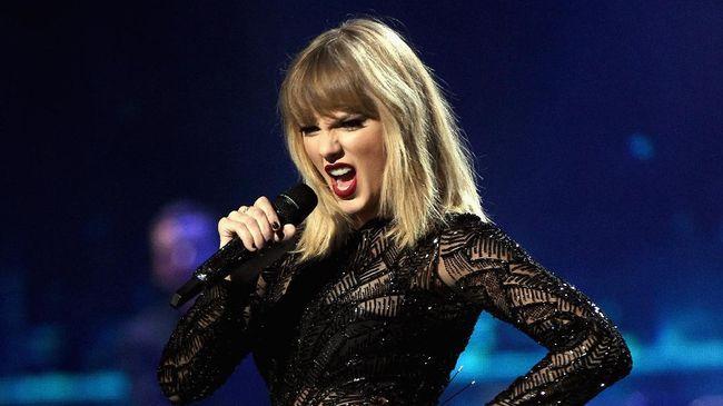 Pihak Big Machine Records yang menaungi awal karier sang bintang menyebutkan tak mungkin bila Taylor Swift tak mengetahui kronologi penjualan label.