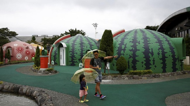 Jepang memang selalu memiliki inovasi. Setelah hotel kapsul, di sana juga ada hotel berbentuk kubah yang tahan gempa.