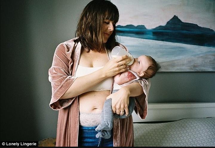 Beginilah potret ketika para ibu yang baru melahirkan menjadi model pakaian dalam.