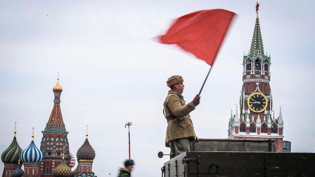 Pemerintah Rusia menyatakan tindakan itu sebagai upaya balasan usai AS mengusir 10 diplomatnya.