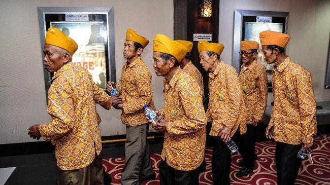 Presiden Joko Widodo menaikkan tunjangan bagi para veteran dengan pertimbangan peningkatan kebutuhan hidup dan kesejahteraan mereka.