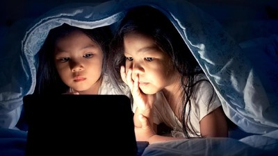 Cara Atasi Masalah Mata Anak karena Pemakaian Gadget