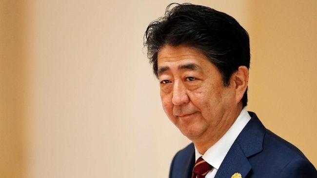 Perdana Menteri Jepang Shinzo Abe akan menaikkan pajak penjualan dari saat ini 8 persen menjadi 10 persen pada Oktober 2019 mendatang.