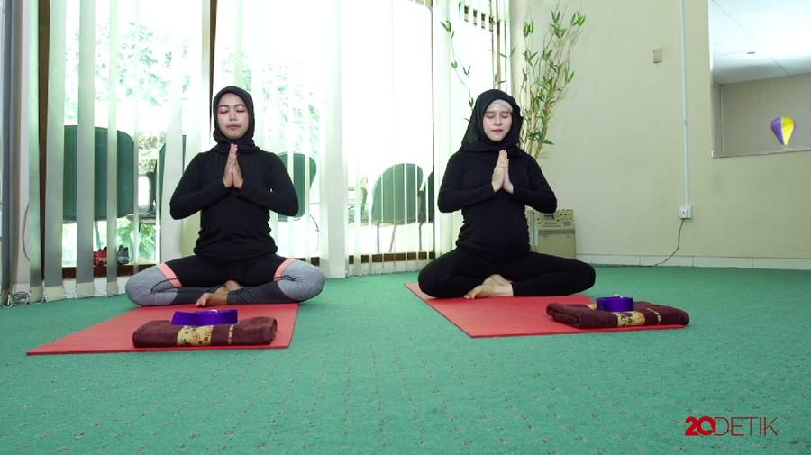 Video: Prenatal Gentle Yoga, Ikhtiar Agar Persalinan Lancar