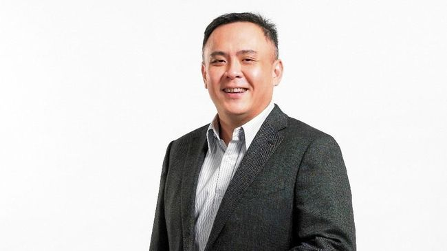 CEO Indosat Ooredoo, Joy Wahjudi menyatakan pihaknya akan lebih fokus pada bisnis inti sebagai penyedia telekomunikasi ketimbang menjajal bisnis digital.