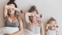 <p>Anak-anak, ikuti gaya bunda saat tidur ya. Bagus! (Foto: Instagram @allthatisshetagram)</p>