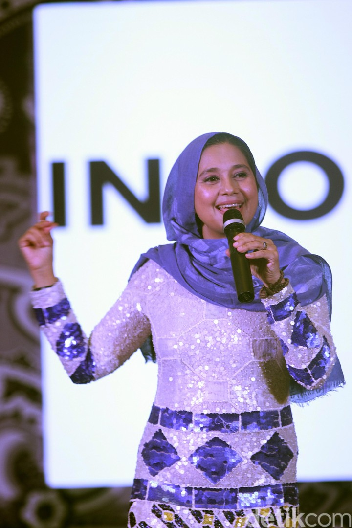 Ayu Azhari di acara Indocraft 2017