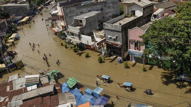 Wali Kota Bandung Oded M Danial menyebut sekitar 1.100 jiwa terdampak banjir di Kecamatan Gedebage, akibat luapan Sungai Cinambo.