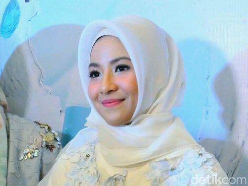 Natasha Rizki Berbagi Tips semoga Konsisten Berhijab bagi Hijabers Baru