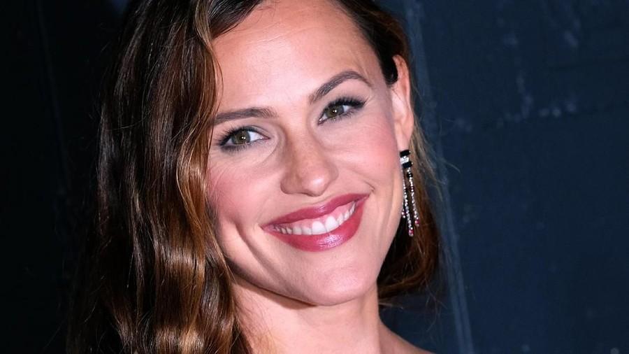 Curahan Hati Jennifer Garner Soal Menjadi Single Mom