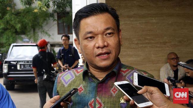 Ketua DPP Golkar Ace Hasan menilai Amien Rais seharusnya tidak provokatif dan dia pun meragukan Amien Rais dan 'partai Allah' bersih dari korupsi.