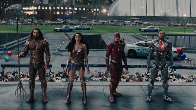 Aktor Ciaran Hinds memuji visi sutradara Zack Snyder yang menggarap Justice League versinya sendiri atau dikenal dengan Justice League Snyder's Cut.