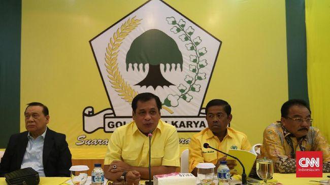 Rapat pleno yang rencananya akan digelar DPP Golkar malam ini bakal ditunda jika surat dakwaan terhadap Setya Novanto belum dibacakan di Pengadilan Tipikor.