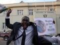 FOTO:  Rakyat Zimbabwe Rayakan Mugabe Lengser