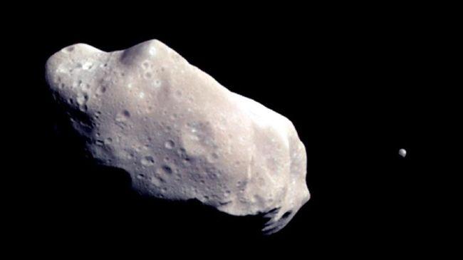 Sebuah asteroid dengan tinggi lebih dari Monumen Nasional diperkirakan akan melewat Bumi ada 29 Oktober mendatang.