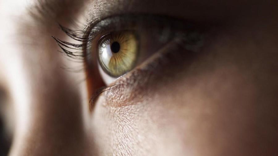 Ibu dengan Minus Mata Tinggi Nggak Boleh Melahirkan Normal?