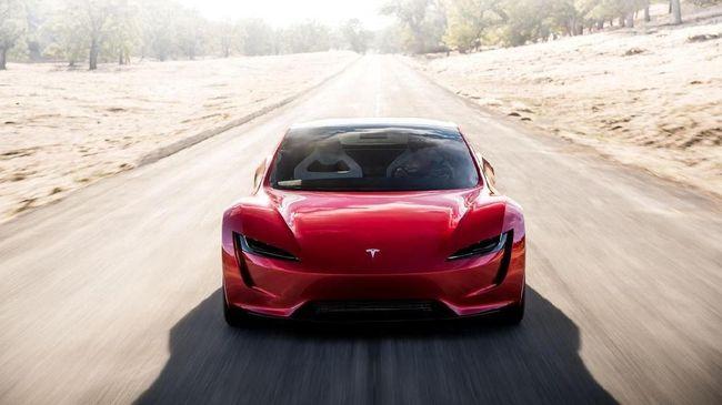Tesla di Amerika Serikat melakukan recall atau penarikan kembali 9.537 unit, salah satunya karena masalah atap mobil yang rentan lepas.