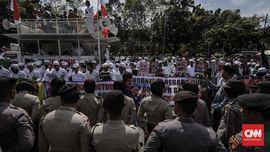 Ribuan Aparat Disiapkan Jaga Aksi 64 Tentang Sukmawati