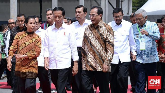 Sebuah survei menyebut 37 persen masyarakat puas dengan kinerja Presiden Jokowi soal pembangunan infrastrukur selama menjalani masa jabatannya.
