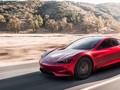 Tabrakan Tesla Tewaskan 2 Orang, Diduga Fitur Autopilot Aktif