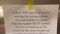 <p>Waduh, password Wi-Fi-nya rumit juga ya. Hi-hi-hi. (Foto: Facebook/ Muddled Up Mummy)</p>