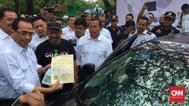 Gojek meminta pemerintah membuat jalur khusus untuk mempercepat proses uji KIR pengendara transportasi online roda empat.