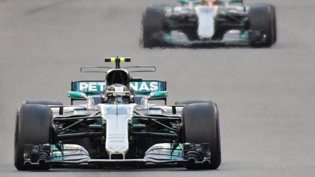 Valtteri Bottas menjadi pembalap tercepat pada sesi latihan bebas ketiga di sirkuit Silverstone, Inggris, Sabtu (1/8) waktu setempat.