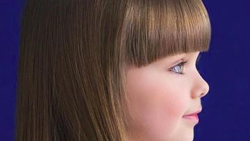 Potret Anastasiya Knyazeva, Bocah Bermata Indah Seperti Boneka