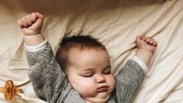 Gemes Banget Ngelihat Bayi-Bayi Ini Ngulet