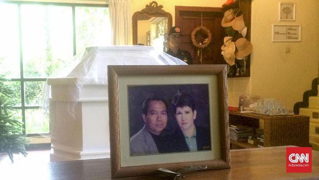 Jenazah Bondan Winarno dijadwalkan akan dikremasi pada Kamis (30/11) siang ini di RS Sentra Medika Cibinong.