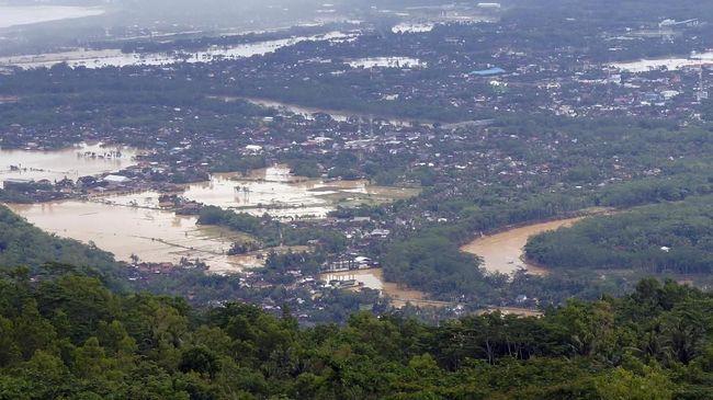 Bupati Pacitan menetapkan status tanggap darurat di wilayahnya selama tujuh hari ke depan seiring bencana banjir dan longsor akibat cuaca ekstreme.