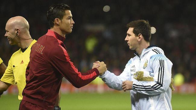 Pelatih Dynamo Kiev Mircea Lucescu mengungkapkan satu hal yang jadi kehebatan Lionel Messi, namun tak bisa dilakukan Cristiano Ronaldo.