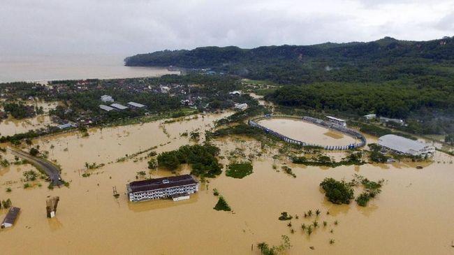 BPBD Jatim menyebut ada 65 bencana hidrometeorologi di Jatim sepanjang Januari 2021.