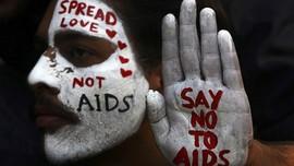 FOTO: Dunia yang Merah Melawan AIDS