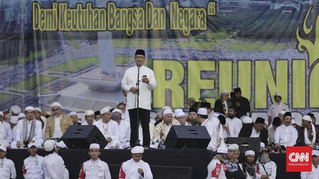 Gubernur DKI Jakarta Anies Baswedan menolak menjawab siapa yang ia maksud sebagai 'kaum pesimis' dalam pidatonya pada acara Reuni Akbar Alumni 212.